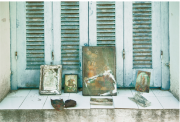 guido_maria_isolabella_iii_window_shutters_and_icons_paxos_2018.png