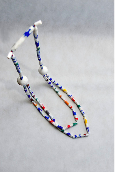 Angeliki Papadopoulou - Chroma necklace. White porcelain and pigments. Length 65 cm